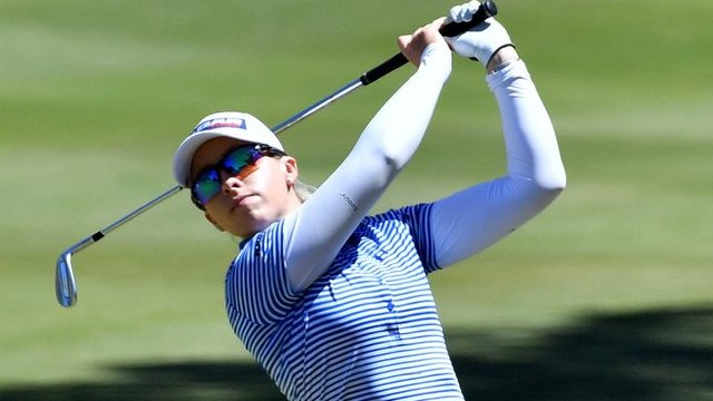 Australian Open: England's Jodi Ewart Shadoff four shots off lead