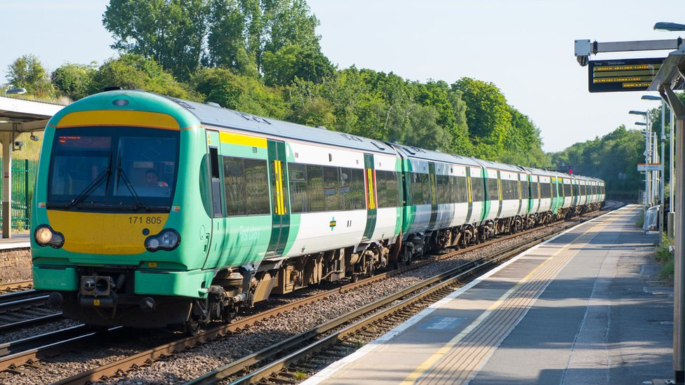 Aslef suspends Southern rail strikes in return for new talks
