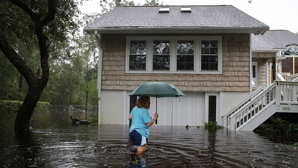 Storm Florence: Disaster declared in North Carolina