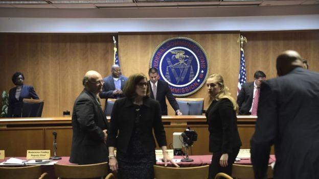 La audiencia en la que se determinó el fin de la neutralidad en internet.
