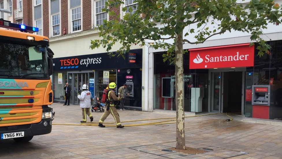 Man held after Hull city centre bank blaze