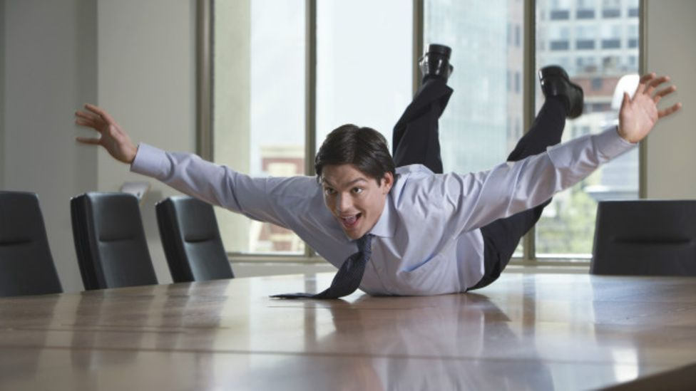 Cómo manejar a un jefe extrovertido si eres una persona introvertida - BBC  News Mundo