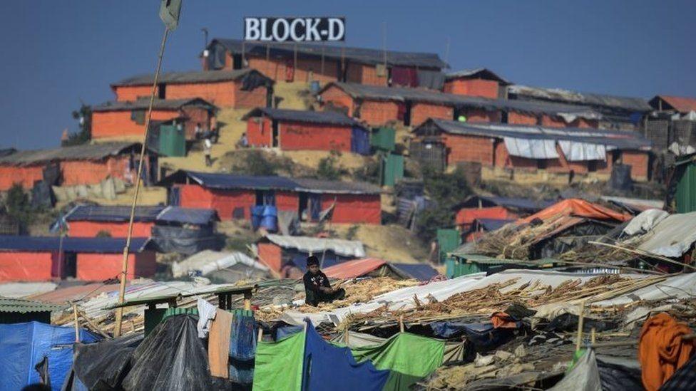 آلاف الروهينجا فروا إلى بنغلاديش