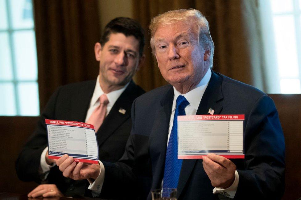 El presidente Donald Trump dijo que el nuevo código va a ser tan simple, que los impuestos podrán ser diligenciados a través del correo.