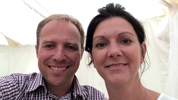 London Marathon: Couple to run together after race-day wedding