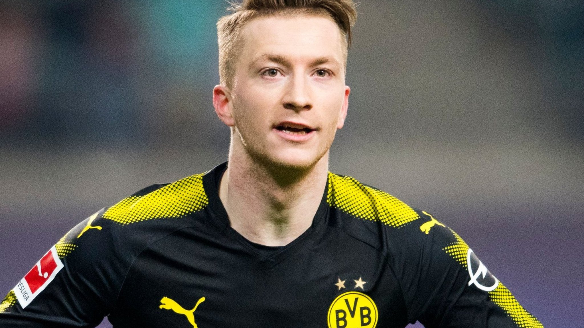 Winger Reus signs new Dortmund contract to 2023