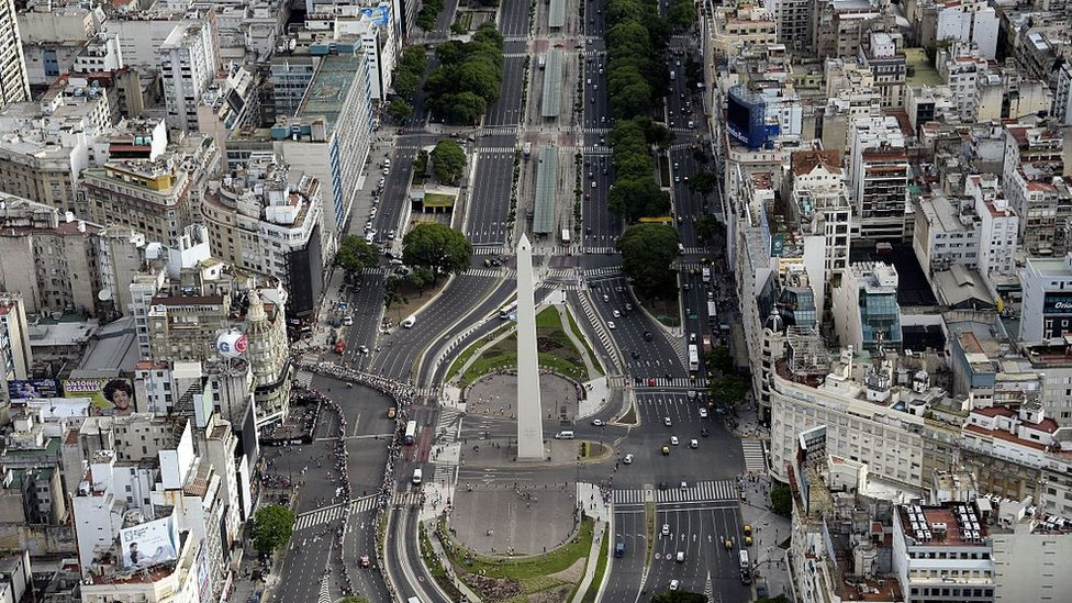 Según la OCDE, Argentina es el octavo país del mundo con mayor volumen de capitales fuera de su tierra.