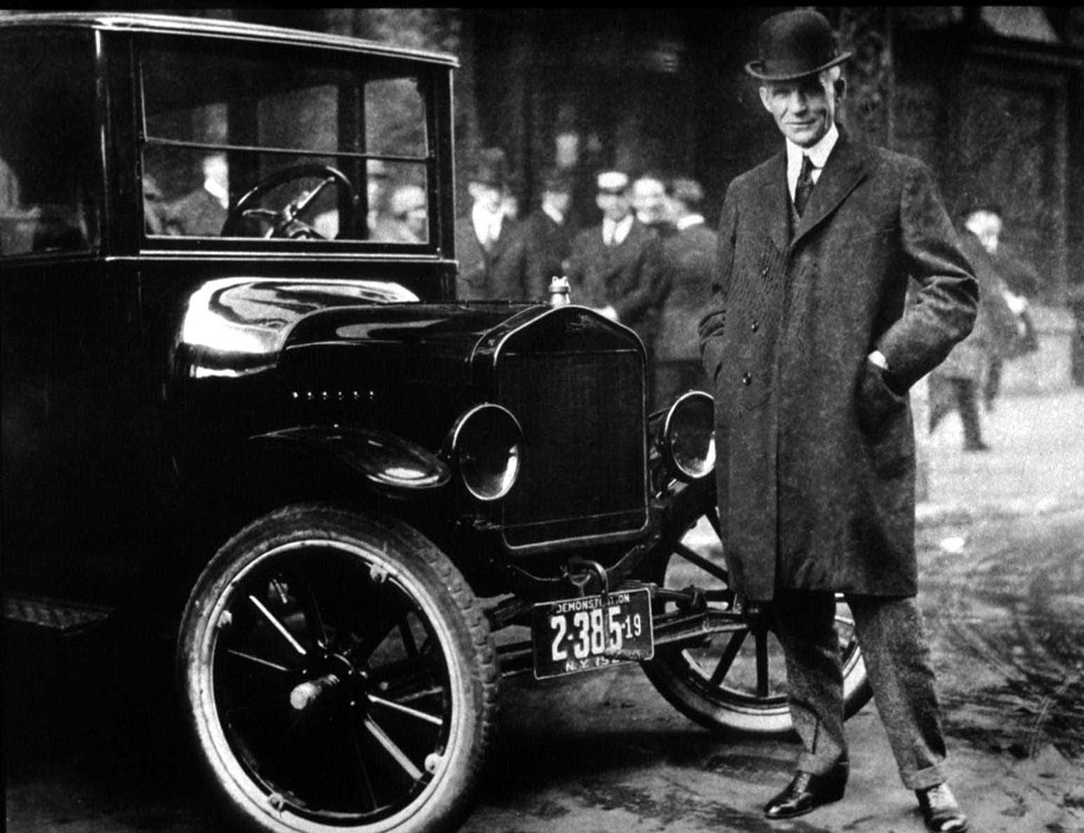 """Henry Ford presuntamente dijo que la gente podía comprar su famoso Modelo T """"en cualquier color que quiera, siempre que sea negro""""."""