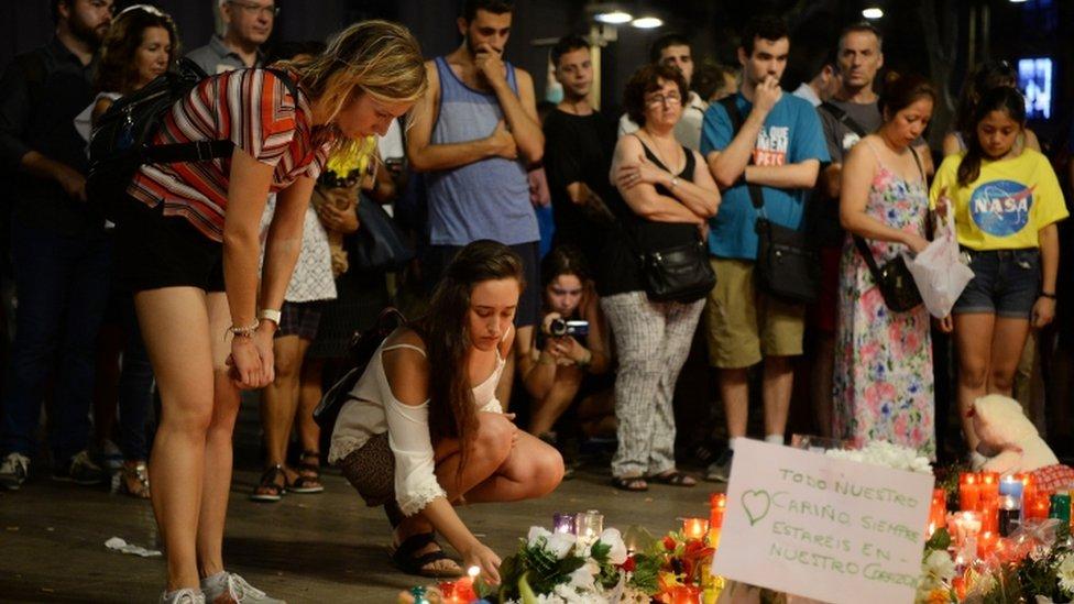 El objetivo de EI es sembrar terror y por eso le conviene atribuirse los atentados.