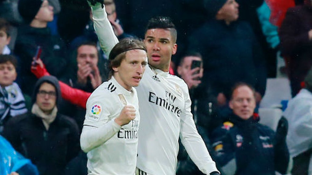 Real Madrid 2-0 Sevilla: Late goals see Madrid move up to third in La Liga