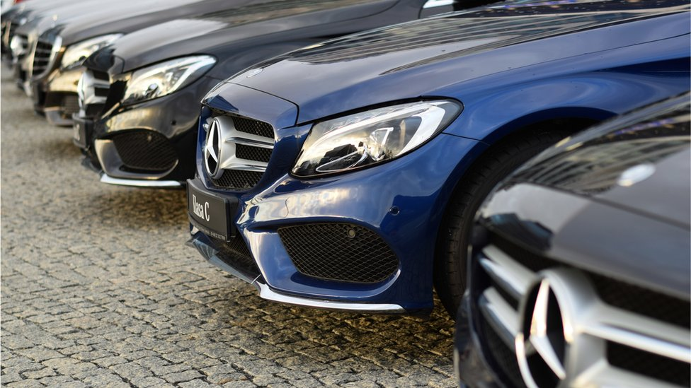 Daimler recalls 400,000 Mercedes-Benz cars in the UK