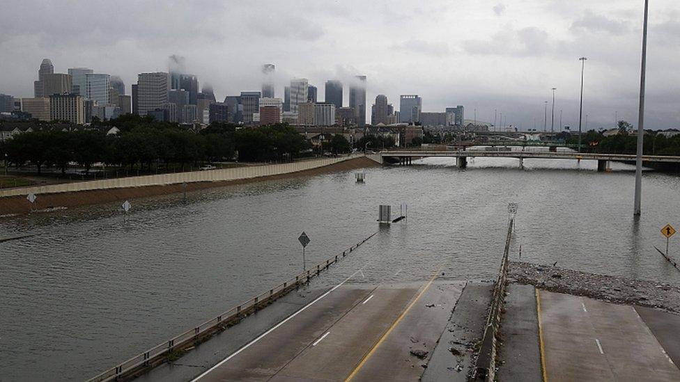 الفيضانات في تكساس