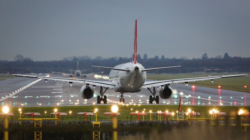 Gatwick Airport second runway 'by the back door'