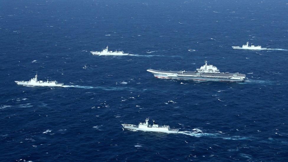 中國航母遼寧號在南海遊弋