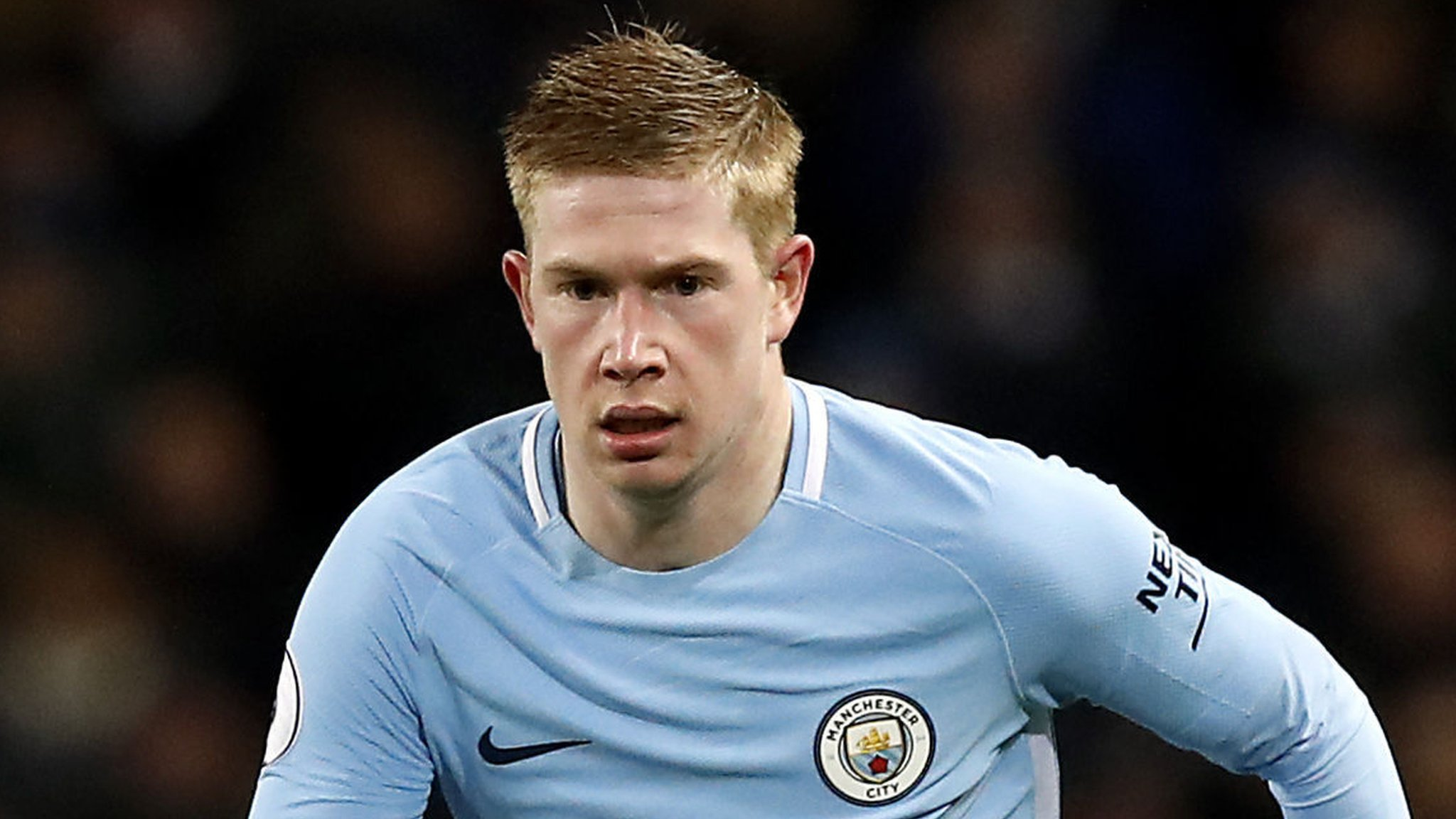 De Bruyne signs new Man City deal to 2023
