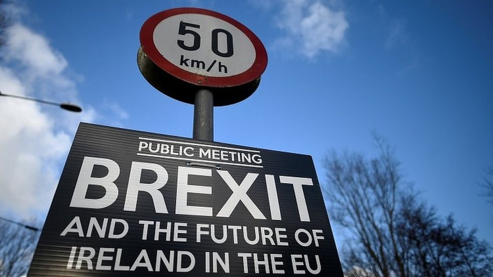 Brexit: EU 'ready to improve' Irish border proposal