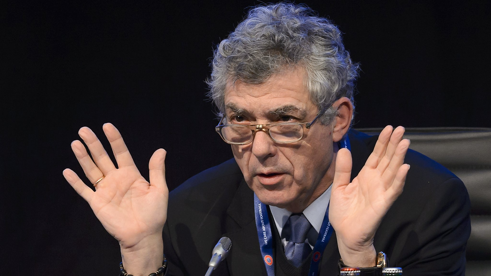 Suspended Spanish football chief Villar resigns from Uefa and Fifa