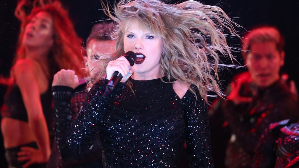 Taylor Swift, Adele and other smuggled celebrities