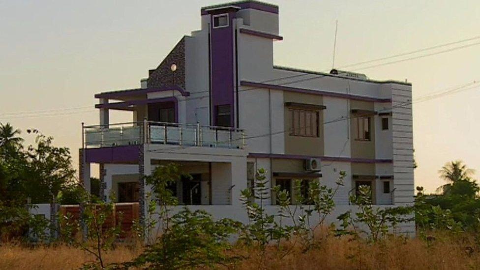 انڈیا: ایسے گاؤں جہاں بیشتر باشندے کروڑ پتی ہیں