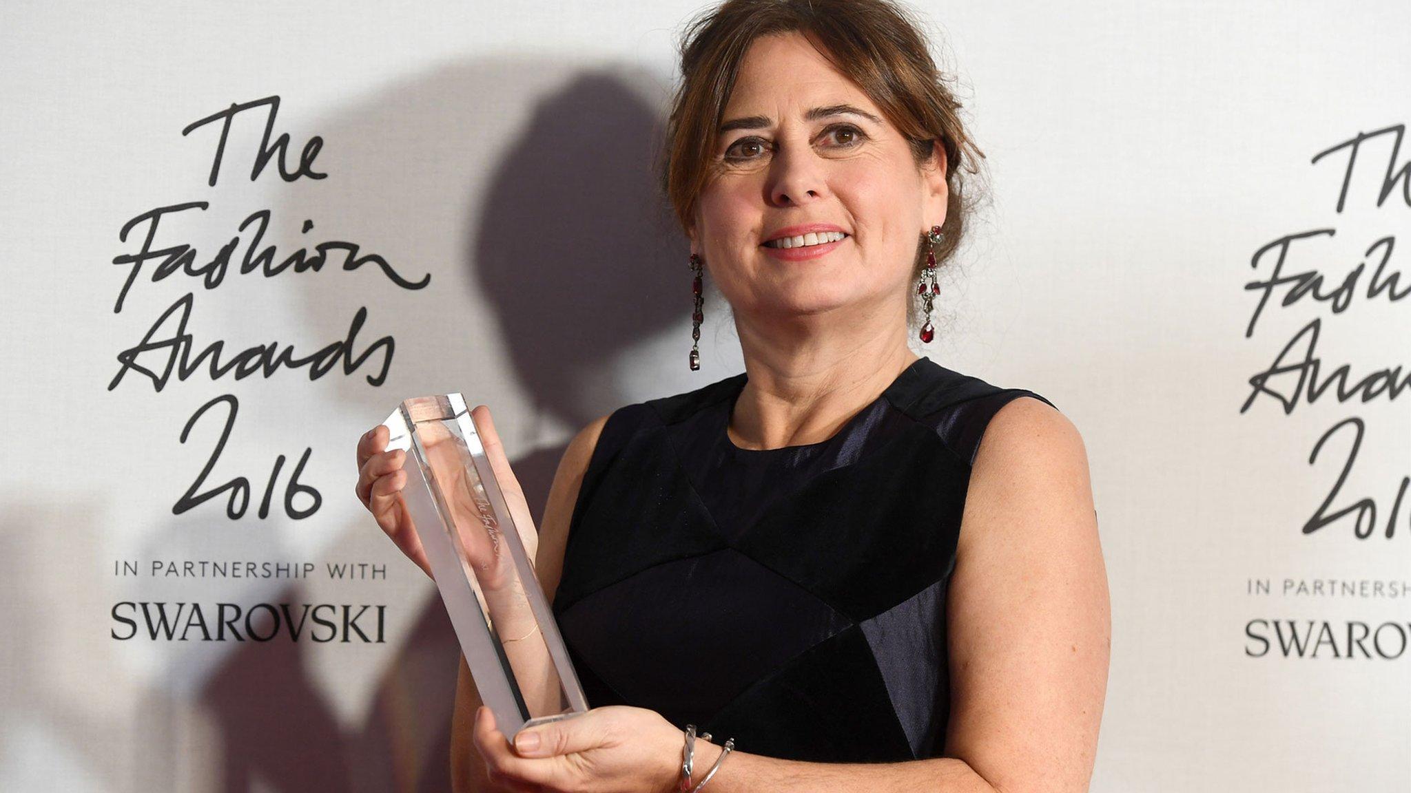British Vogue editor Alexandra Shulman stands down