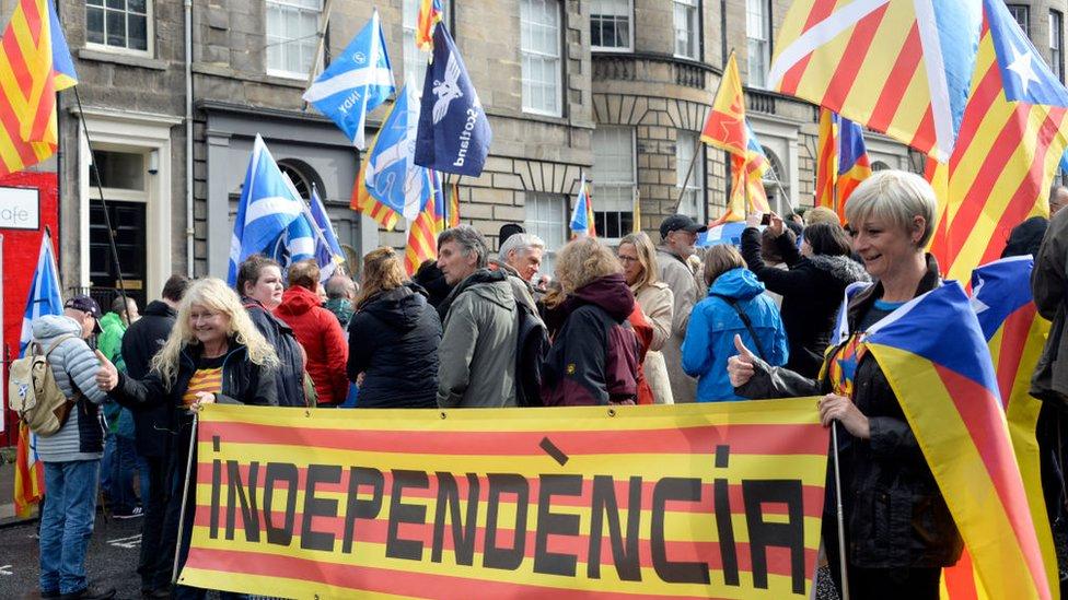 ЗМІ: Чи наслідуватиме Шотландія Каталонію?