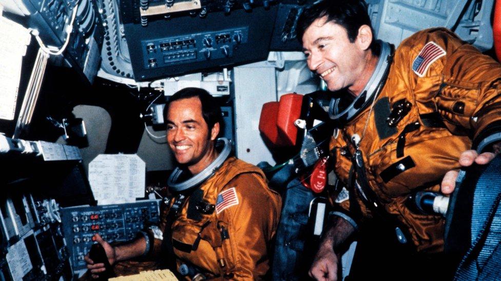 John Young y Robert Crippen en una misión de 1981