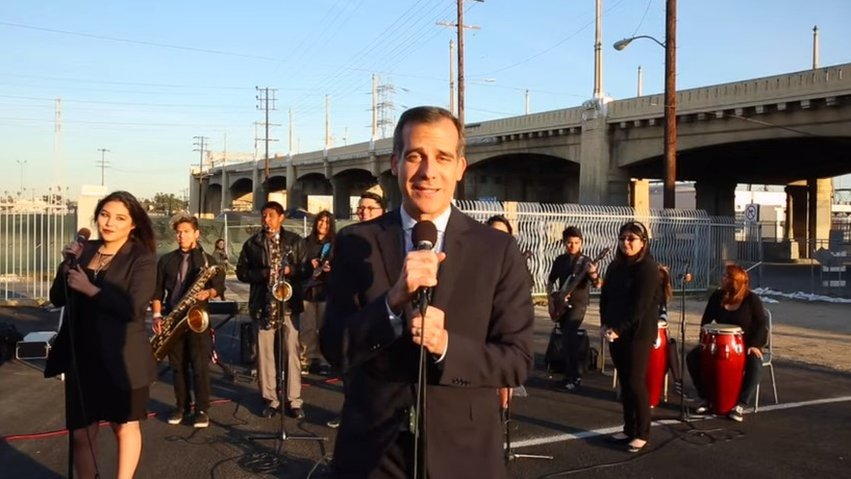 LA mayor's slow jam about road closure