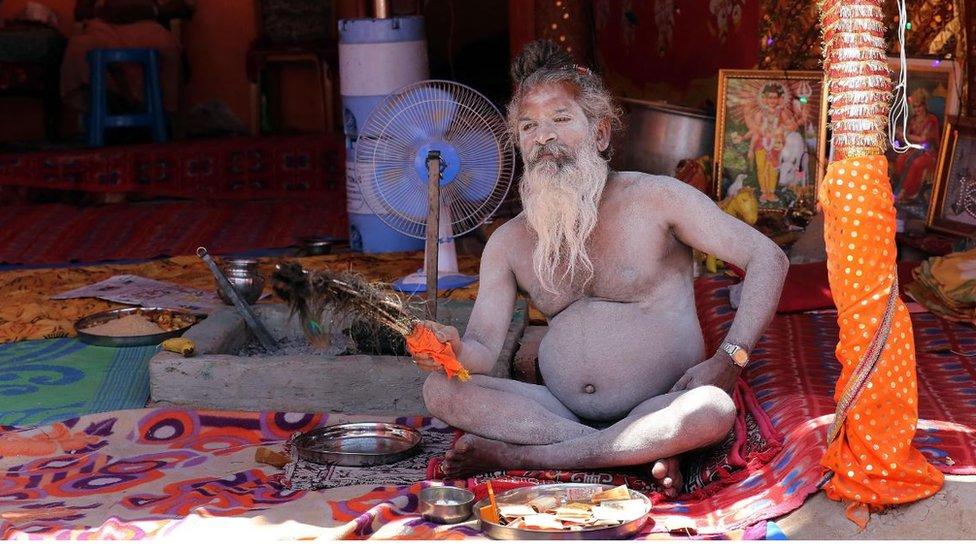 মৃতদের সঙ্গে যৌনমিলন করেন ভারতের যে হিন্দু সাধুরা