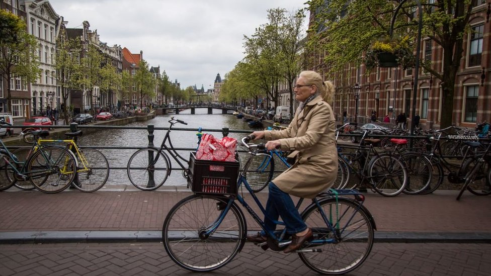 Para Rogers, es fantástico que en ciudades como Copenhague o Ámsterdam el 50% de la gente vaya a trabajar en bicicleta o caminando.
