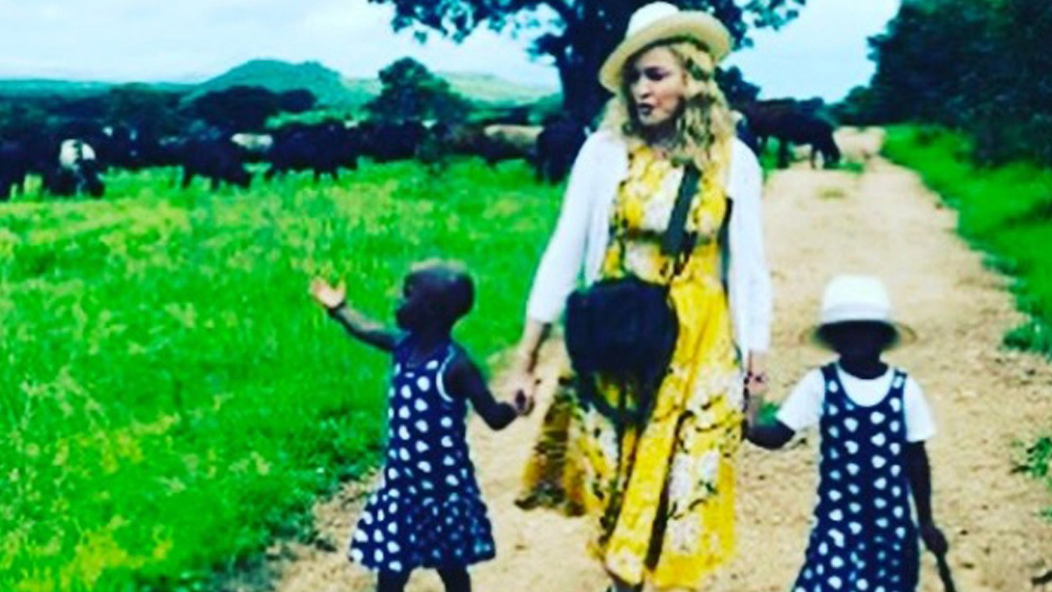 BBC News - Madonna posts Instagram pictures of adopted Malawi twins