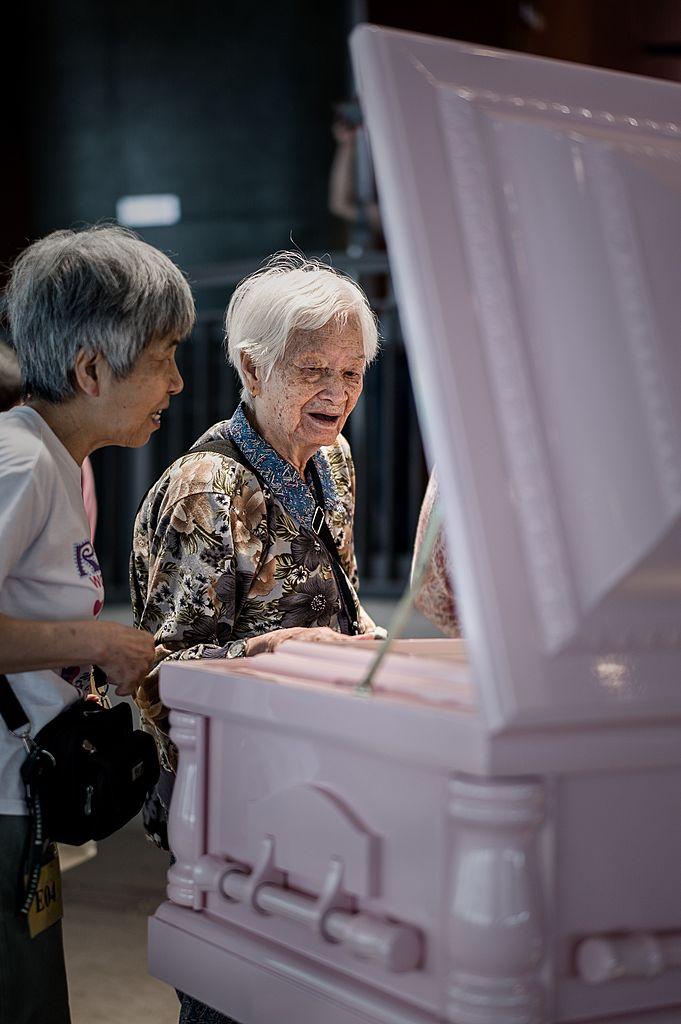 資料圖片:香港舉行有關死亡的展覽