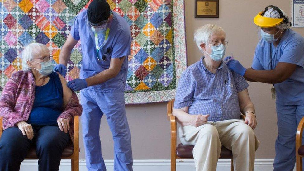 新冠疫苗:加拿大被指囤积疫苗却为何接种进度落后- BBC News 中文