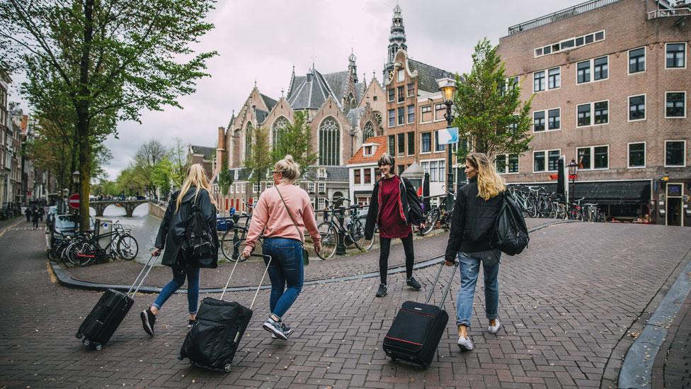 Turistas en Ámsterdam