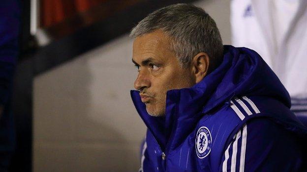 Chelsea liệu có đá tử tế khi không còn Mourinho ?