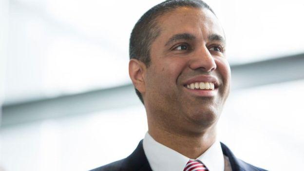 Ajit Pai, director de la Comisión Federal de Comunicaciones era director en Verizon.