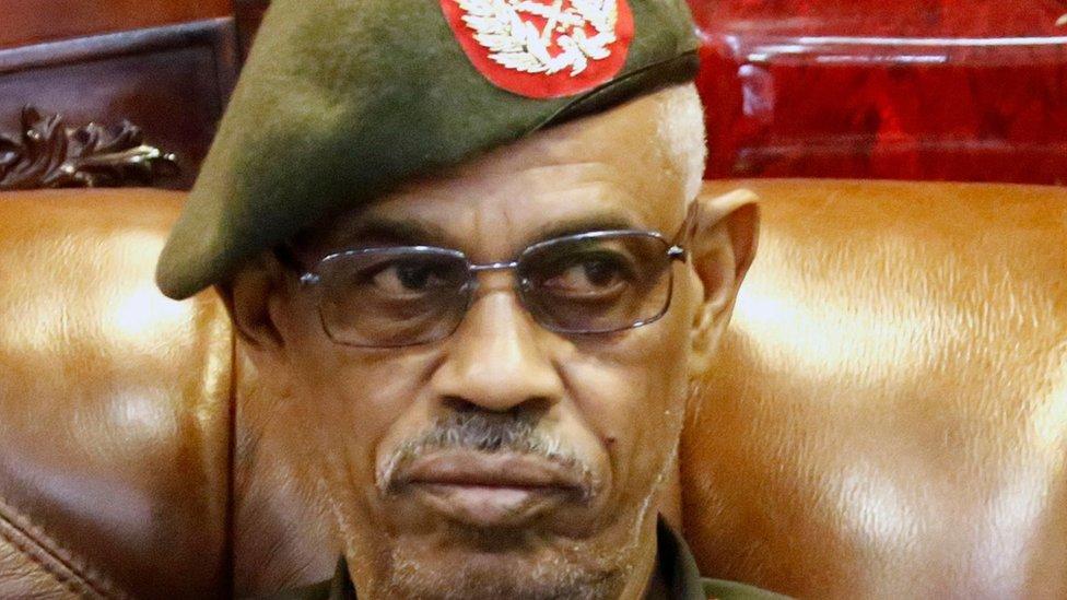 د عمرالبشیر ضد د کودتا قومندان هم استعفاء وکړه