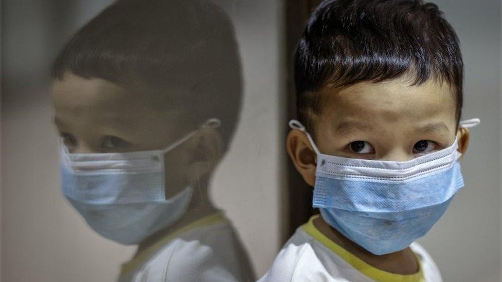 कोरोना वायरस: बच्चों को कोविड-19 के बारे में कैसे बताएं? - BBC News हिंदी
