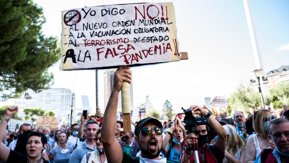 Protesta antimascarilla en Madrid