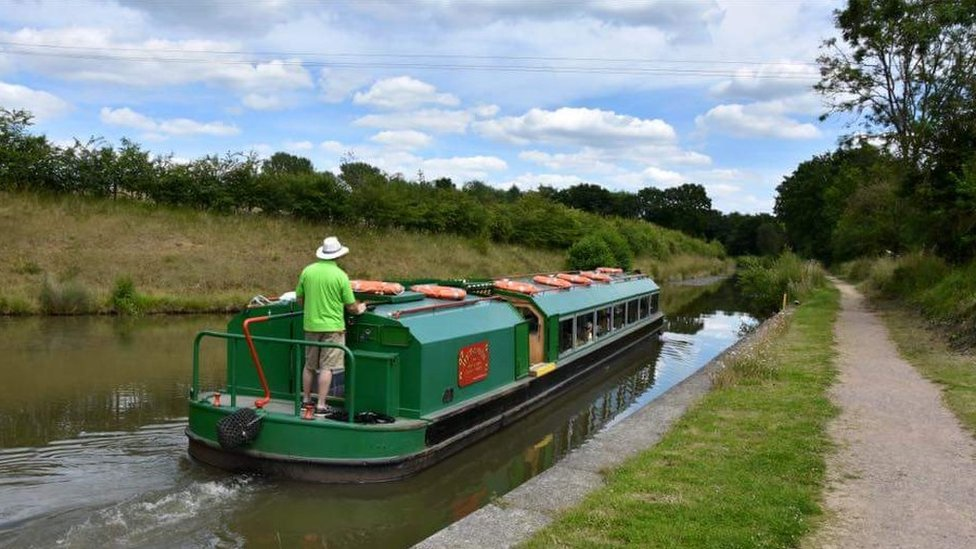 Volunteers celebrate Wey and Arun Canal's 200th birthday