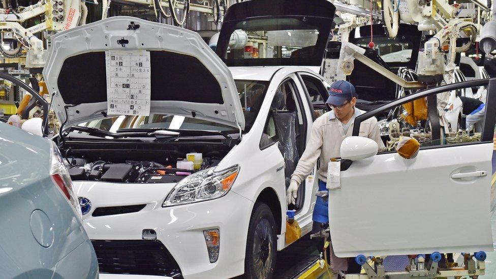 Fabricantes de autos, trenes y aviones se han visto afectados por el fraude de Kobe Steel.