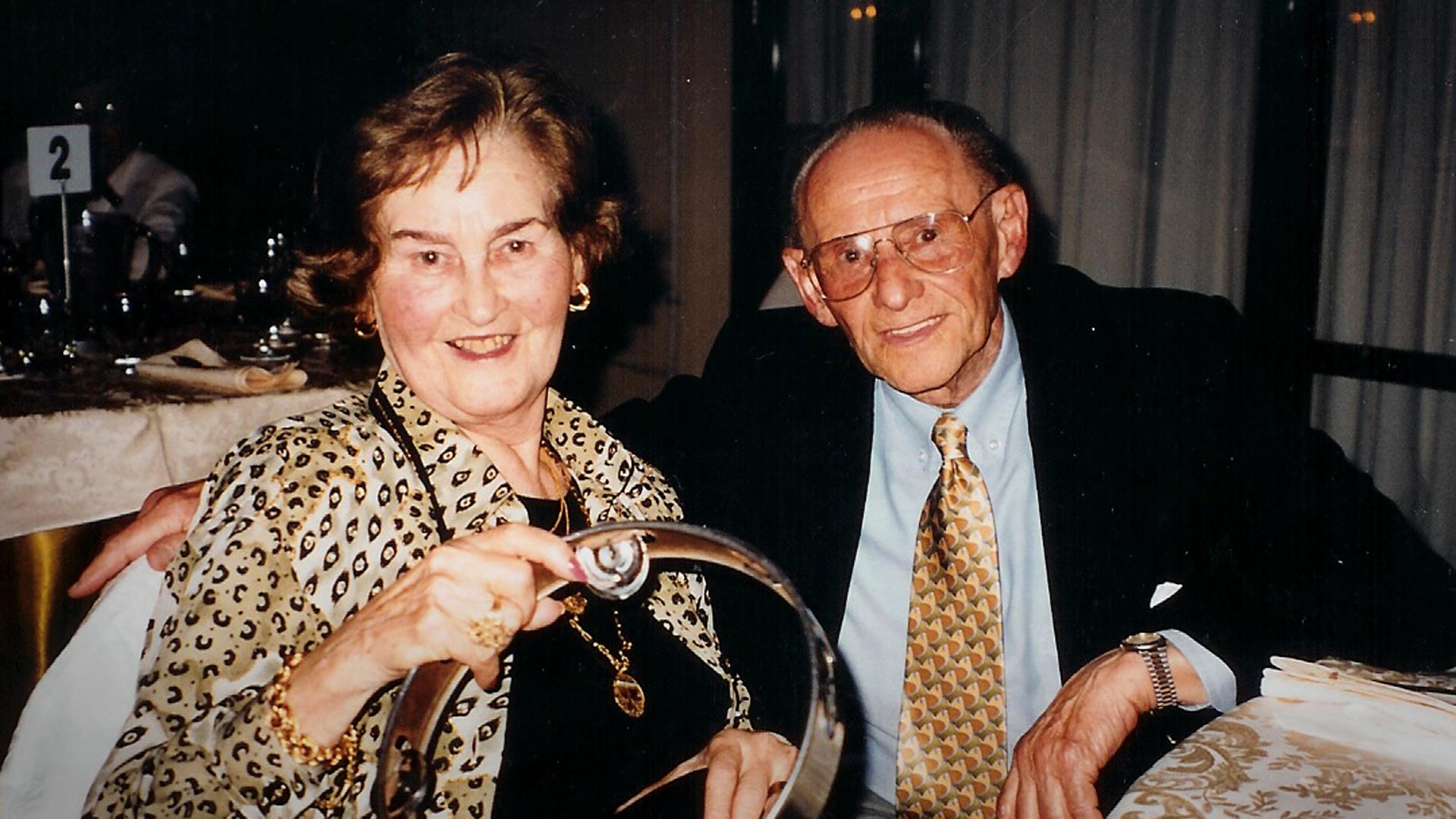 Gita y Lale Sokolov antes de la muerte de Gita en 2003 (Foto: Heather Morris/Familia Sokolov).