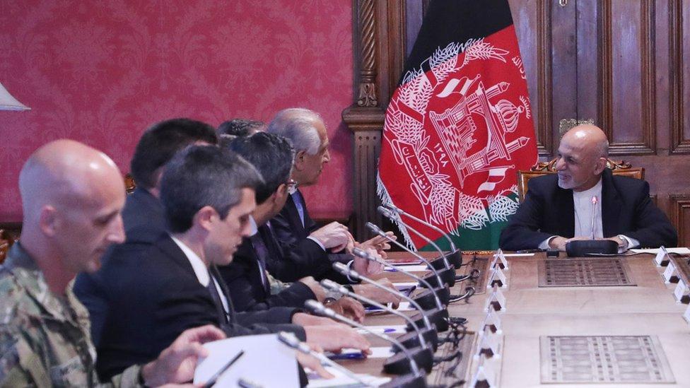خلیلزاد: سولې بهیر نوي پړاو ته ننوځي؛ افغانان باید ډېر ښکېل شي
