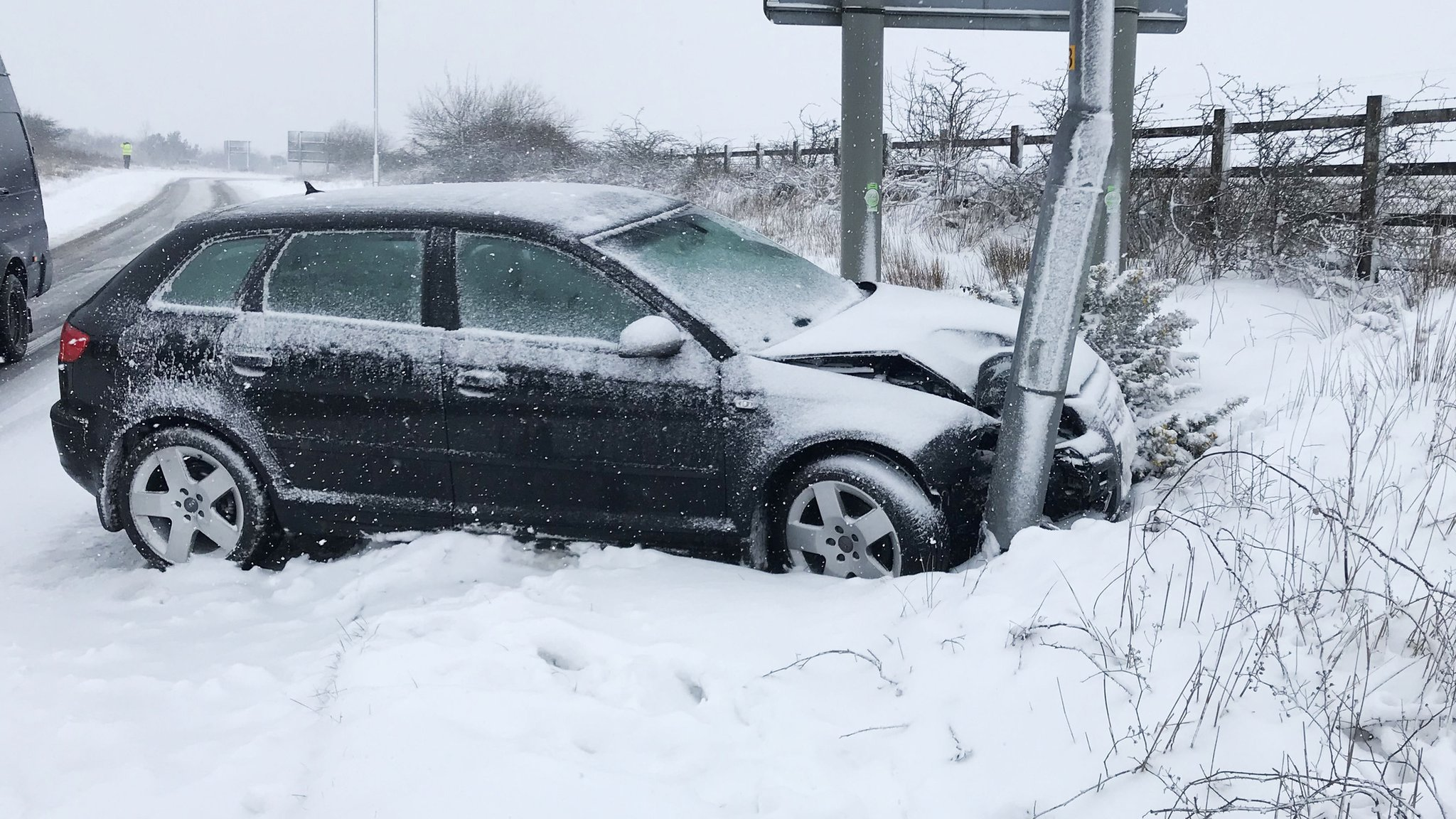 Drivers stranded on A30 in Devon amid heavy snow