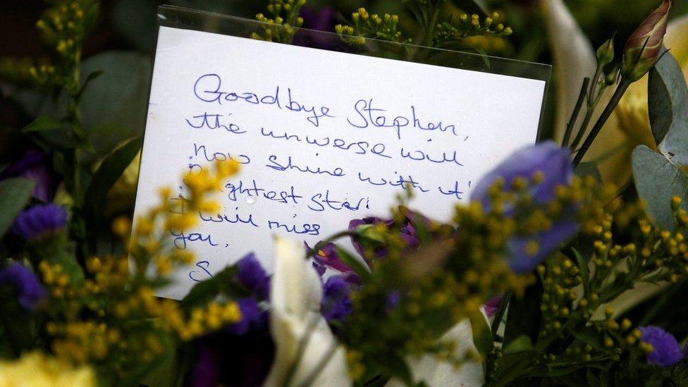 Una tarjeta para Stephen Hawking