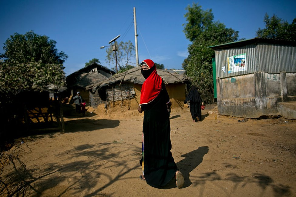 Mujer rohingya en un campo de refugiados de Bangladesh.