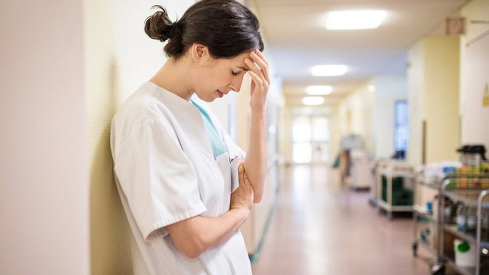 Health service 'haemorrhaging' nurses, figures rev
