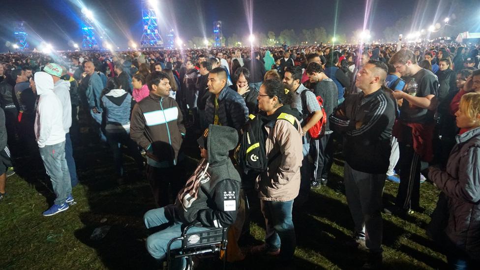 Asistentes al concierto del Indio Solari