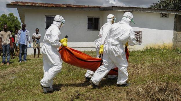 انتشار الايبولا بغرب افريقيا أدى إلى مقتل 11 ألف شخص على الأقل بين عامي 2014 و2015
