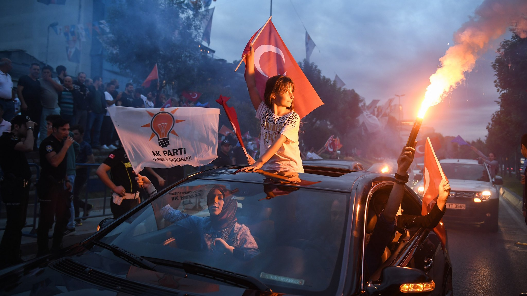 Turkey election: Erdogan claims victory with unofficial results