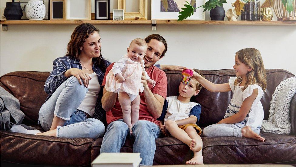 Familia de tres hijos